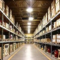 Общая площадь складских помещений<br /> более 40 000 кв. м. В сезон активности —<br /> до 50 000 кв.м